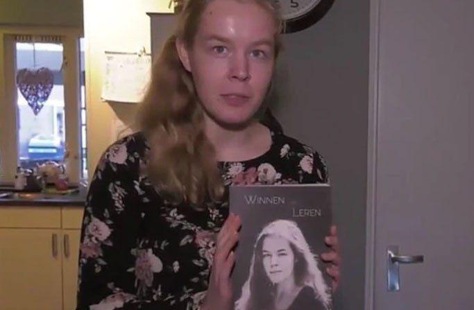 Noa escribió su autobiografía llamada Ganar o aprender para narrar su lucha contra la depresión y la anorexia
