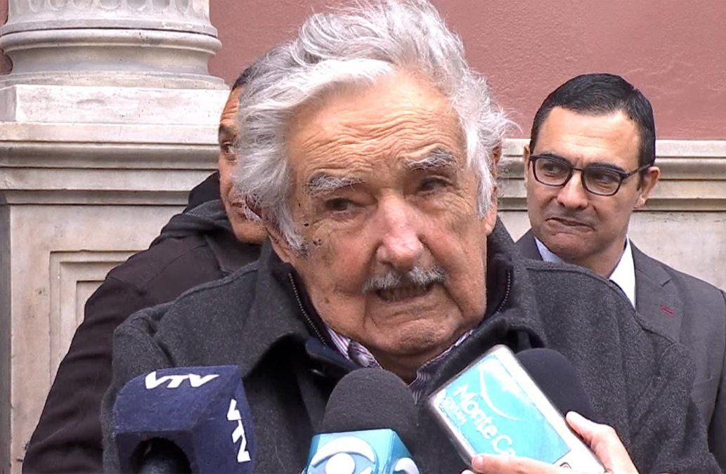 Mujica reivindicó la postura de Uruguay sobre Venezuela para evitar una guerra