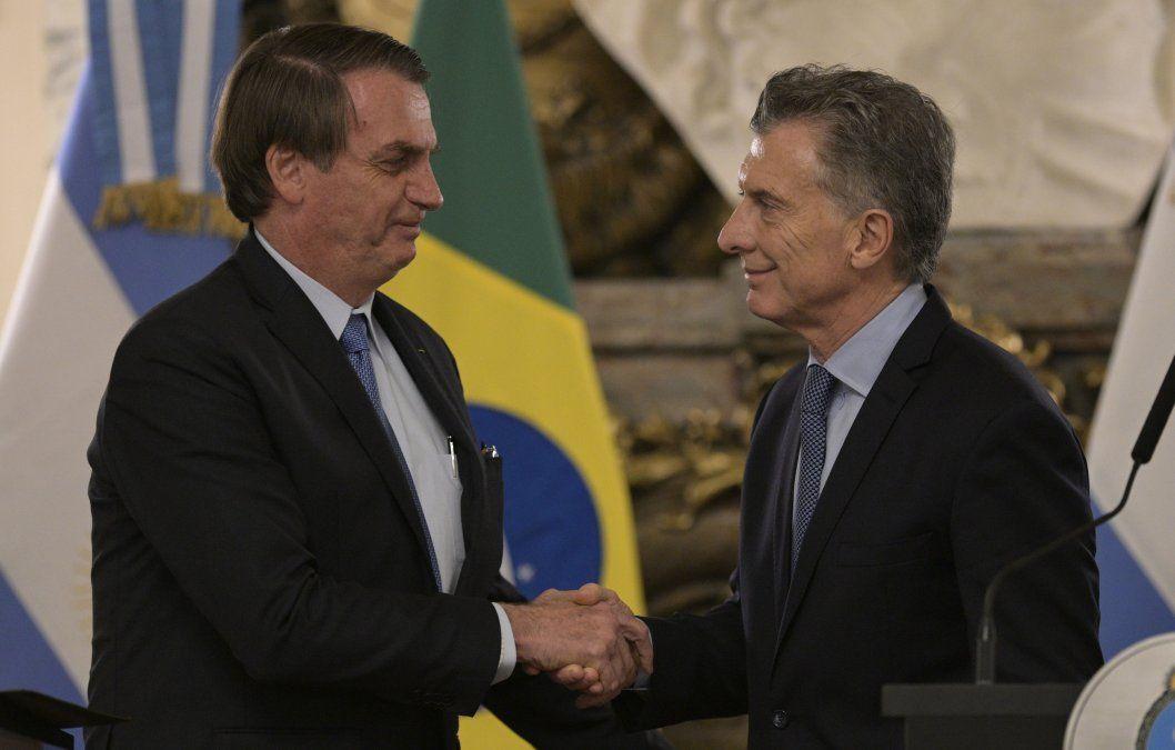 Argentina y Brasil acuerdan creación del peso real; necesitan aprobación de Uruguay