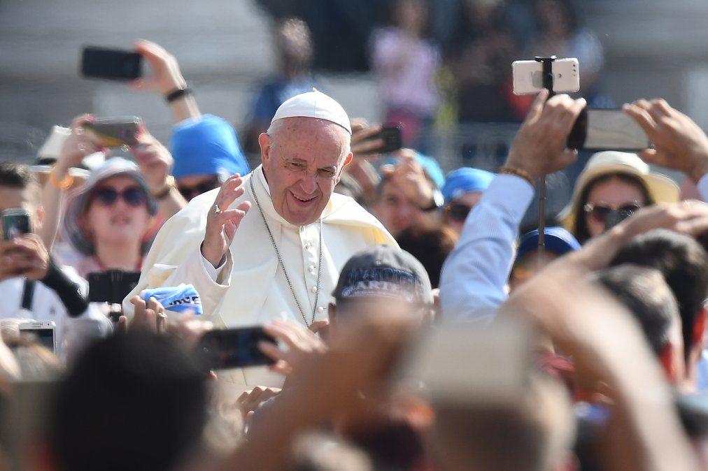 El Papa decidió cambiar la fraseno nos dejes caer en la tentación porno nos dejemos caer en la tentación
