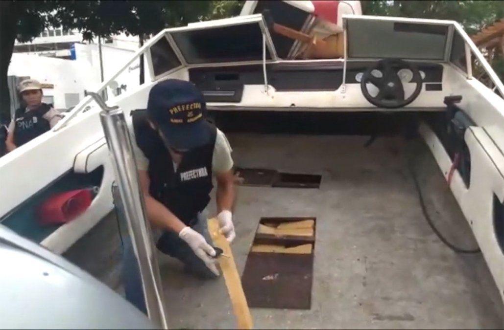 Simulaban ser pescadores para trasladar marihuana en bote a través del río Uruguay
