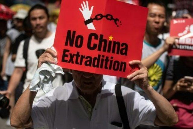Multitudinarias manifestaciones contra la creciente influencia de Pekín. Hasta 2047 se mantendrá la autonomía de Hong Kong