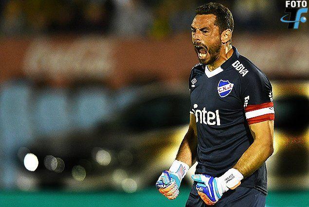 Conde ya estuvo en el fçutbol argentino. desembarcó en Nacional desde Atlético Rafaela.