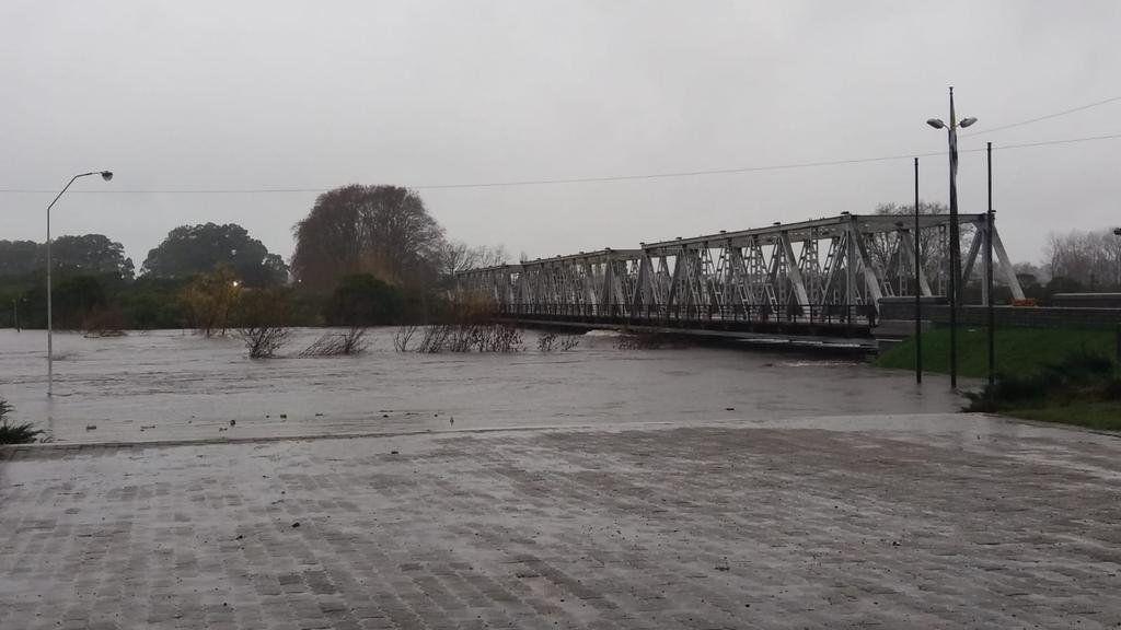 Puente ingreso a la ciudad de Florida.