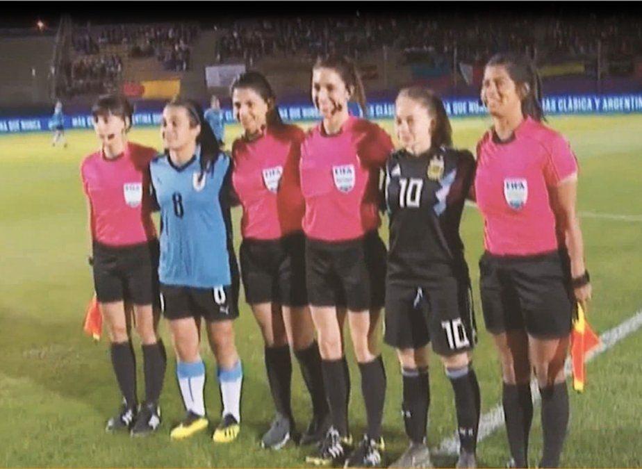 Mujeres celestes: la realidad del fútbol femenino en Uruguay