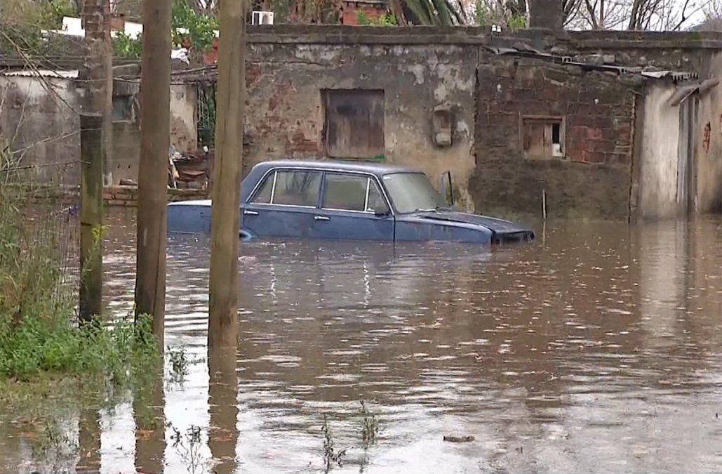 Más de 8.600 desplazados por inundaciones en 10 departamentos