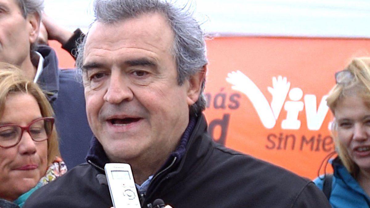 Presidencia otorgó cadena de radio y TV a Larrañaga para su plebiscito de octubre