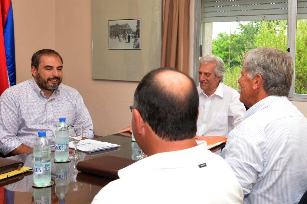 Vázquez y el viceministro de Economía Pablo Ferreri se reunieron con productores lecheros el 30 de enero de 2019 en la residencia de Suàrez. Allí quedó planteada una nueva reunión