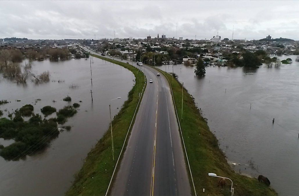 Aumentó a más de 8.700 la cantidad de personas desplazadas por las inundaciones