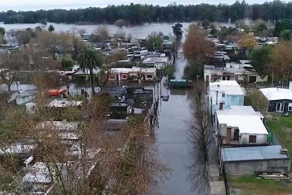 El BROU brinda crédito social a damnificados por inundaciones