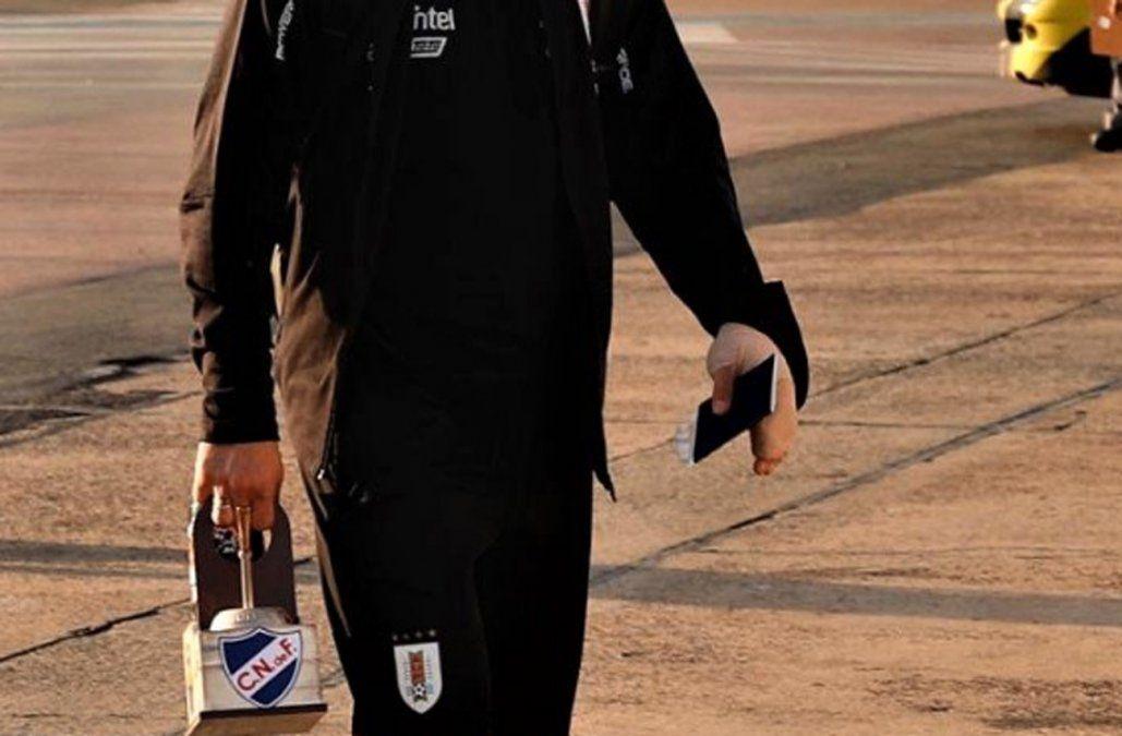 Suárez terminó el día con la mano vendada por un golpe que lo llevó al hospital