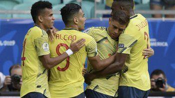 Colombia le gana 1 a 0 a Paraguay y llega a cuartos de final con puntaje perfecto