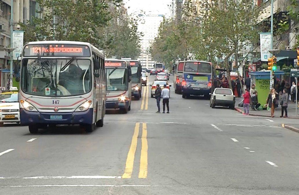 Ómnibus urbanos realizan últimas salidas a las 20.29 por el paro de este martes