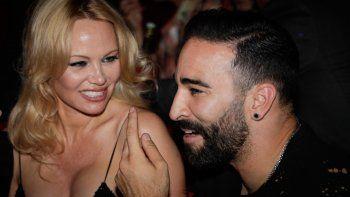 Pamela Anderson rompe con el futbolista Adil Rami, que llevaba