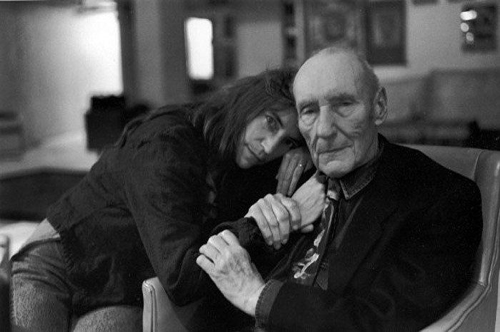 Patti Smith con el escritor William Burroughs