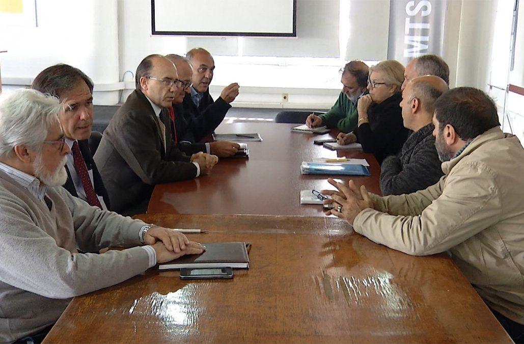 Gobierno se reunió con trabajadores y empresarios por cambios a la negociación colectiva