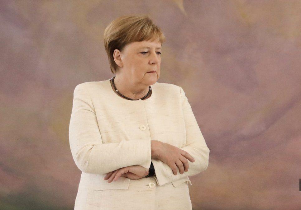 Premier alemana Angela Merkel sufre un nuevo episodio de temblores