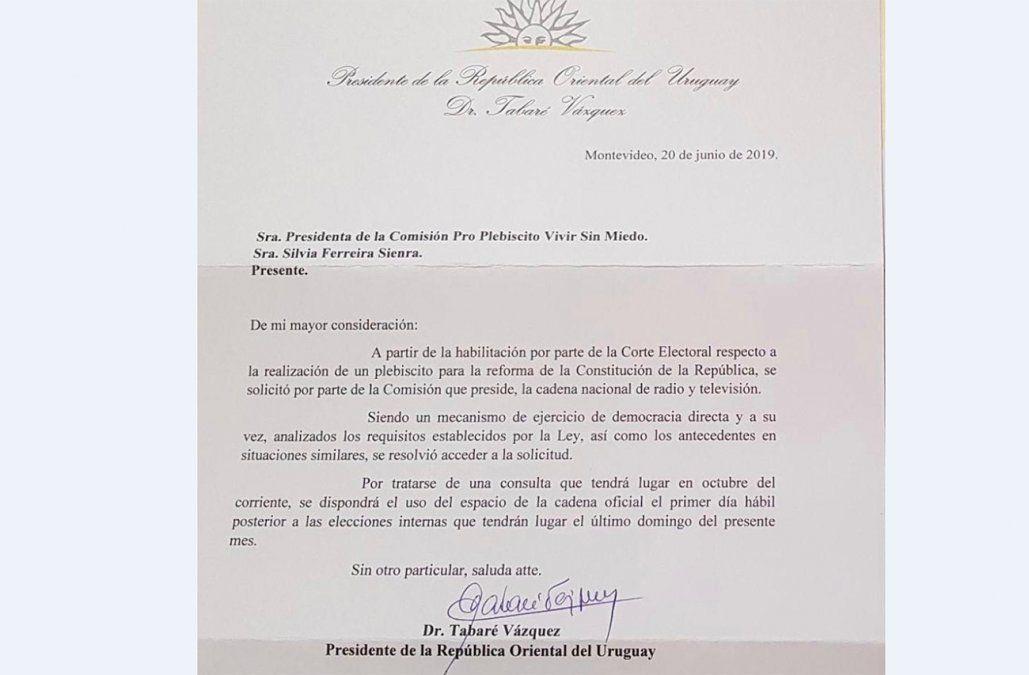 Vázquez dijo que no hay fecha para la cadena nacional otorgada a Larrañaga