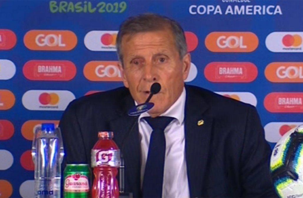 Tabárez enojado con los periodistas: yo no vengo a dar explicaciones