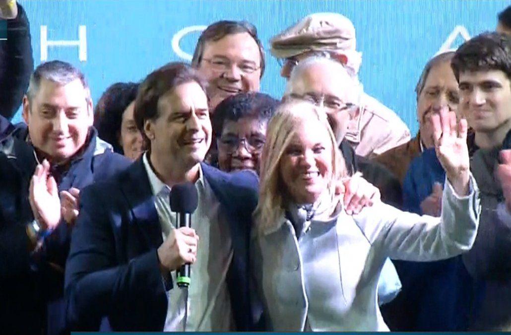 Lacalle Pou con Beatriz Argimón es la fórmula del Partido Nacional para octubre