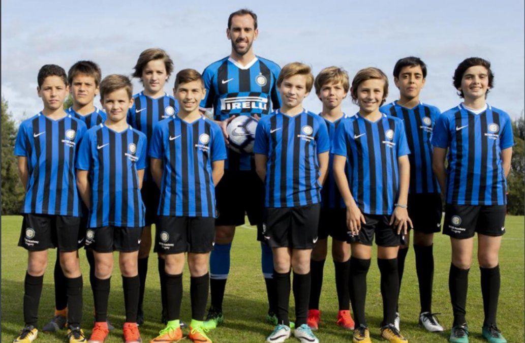 El Inter de Milán oficializa el fichaje de Diego Godín hasta el 2022