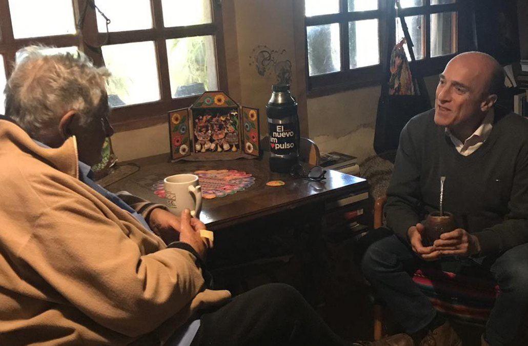 Foto publicada por el MPP: Martínez con Mujica en la chacra.