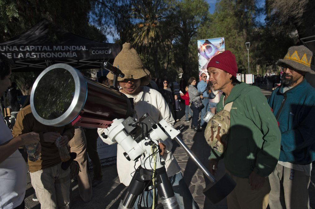Aficionados esperan el eclipse en in Vicuña