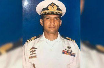 Según la inteligencia madurista Acosta Arévalo sufrió un infarto cuando era conducido al juzgado. Estaba acusado de acciones como el robo de vehículos blindados del Banco Central de Venezuela durante el último intento de golpe de Estado.