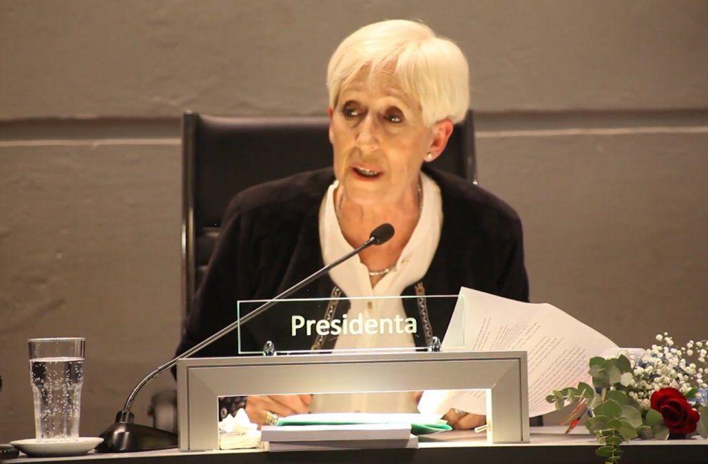 Foto: Graciela Villar cuando fue presidenta de la Junta Departamental de Montevideo.