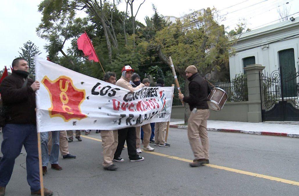Trabajadores del cuero se manifestaron frente a la casa del presidente Vázquez
