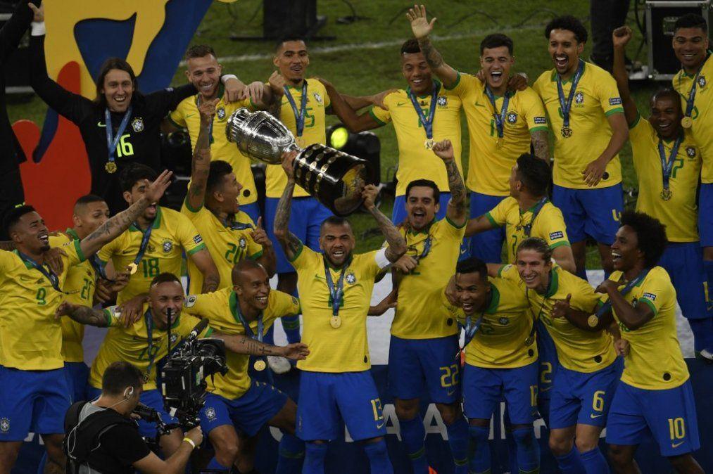 Brasil suma su novena Copa América tras vencer a Perú en la final 3 a 1