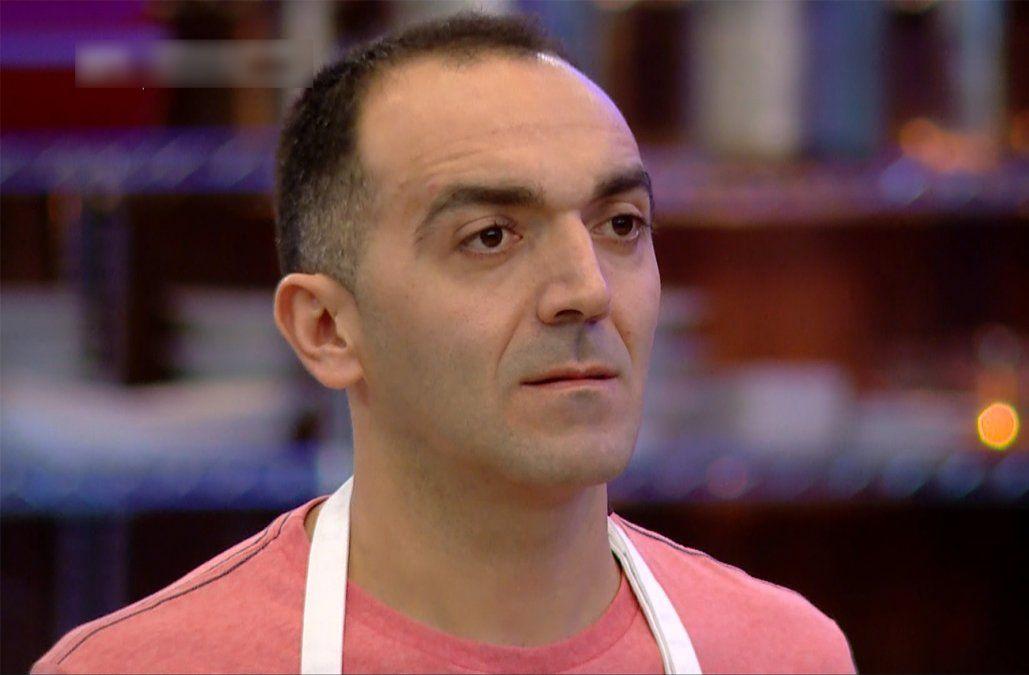 Gustavo se convirtió en el nuevo eliminado del Equipo Rojo en MasterChef