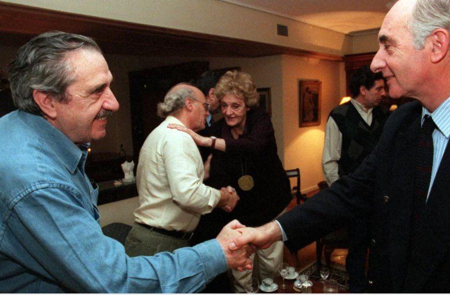 Con Alfonsín durante el lanzamiento de la alianza Radical-Frepaso