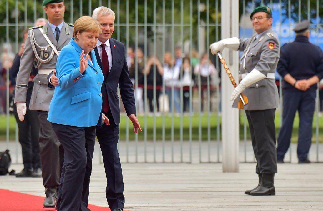 Merkel dice que se encuentra muy bien después de un nuevo episodio de temblores