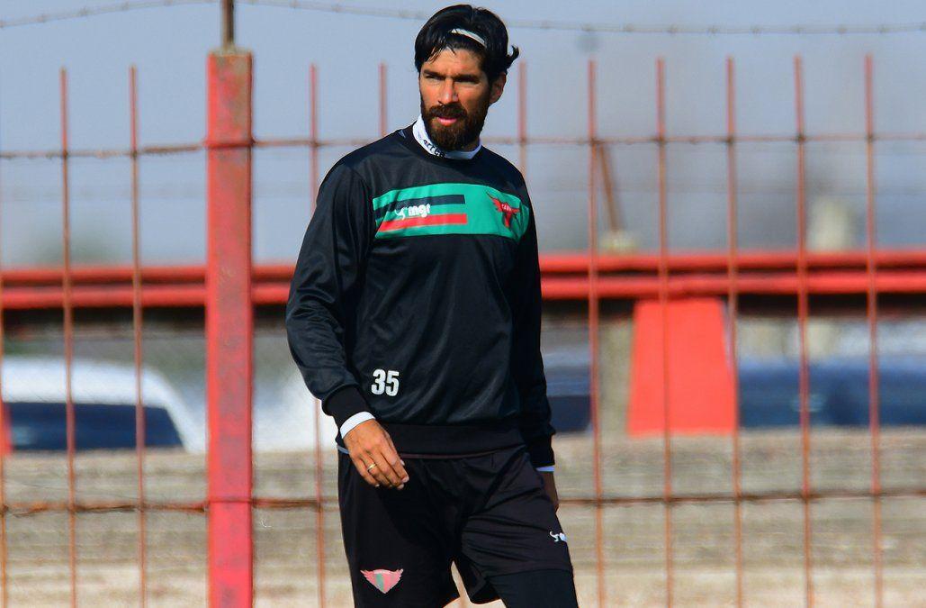 El Loco Abreu volvió a Uruguay y firmó con Boston River por un año
