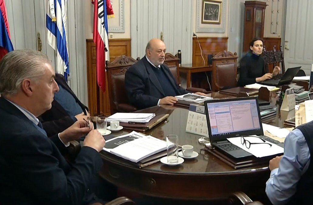 La Corte Electoral analizará primero si corresponde atender el pedido de Talvi por su vice