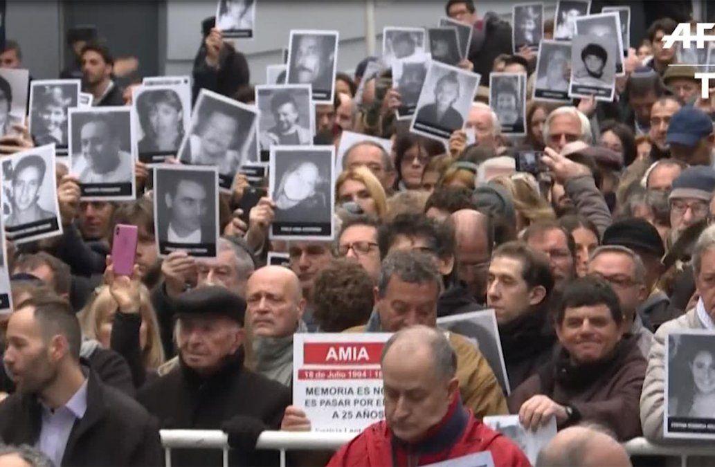 Argentina conmemora 25 años de atentado al centro judío Amia con reclamo de justicia