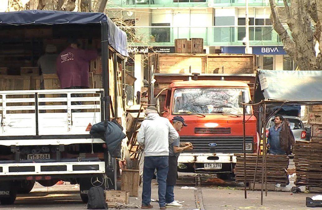 Feriantes de Montevideo se oponen a los traslados de las ferias cada tres años