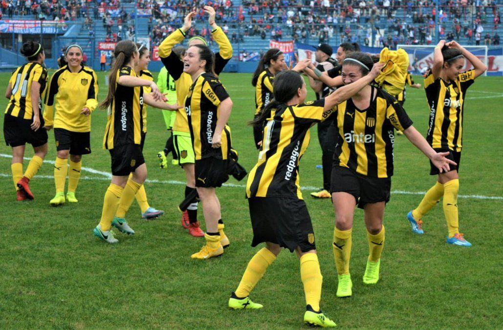 Clásico femenino: Peñarol derrotó 2-1 a Nacional y se quedó con el Apertura