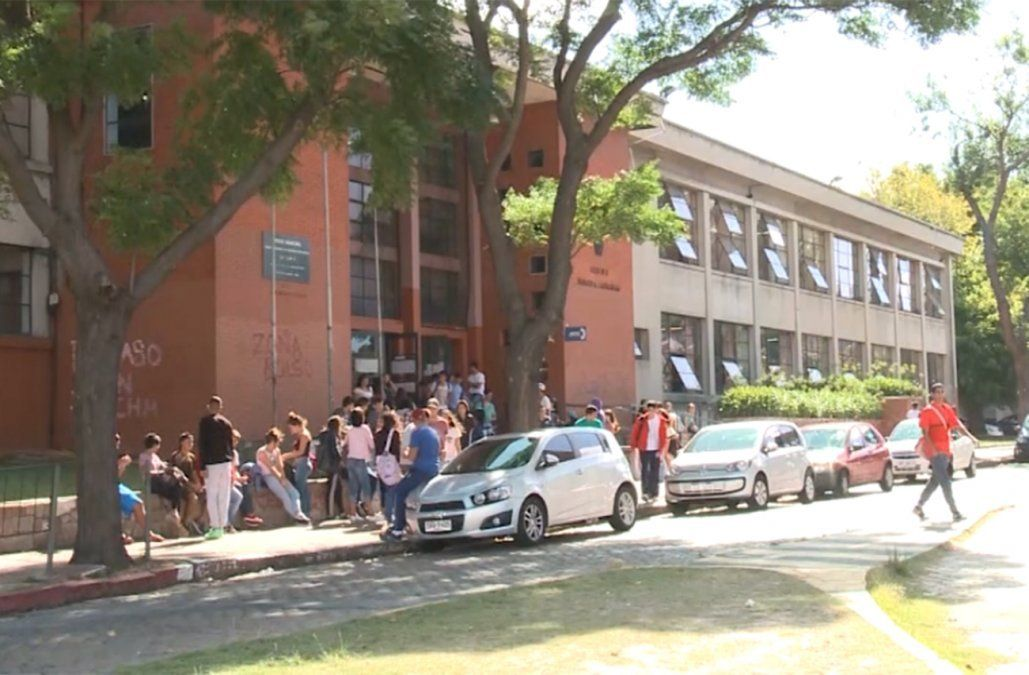 Liceo Nº 3 Dámaso Larrañaga