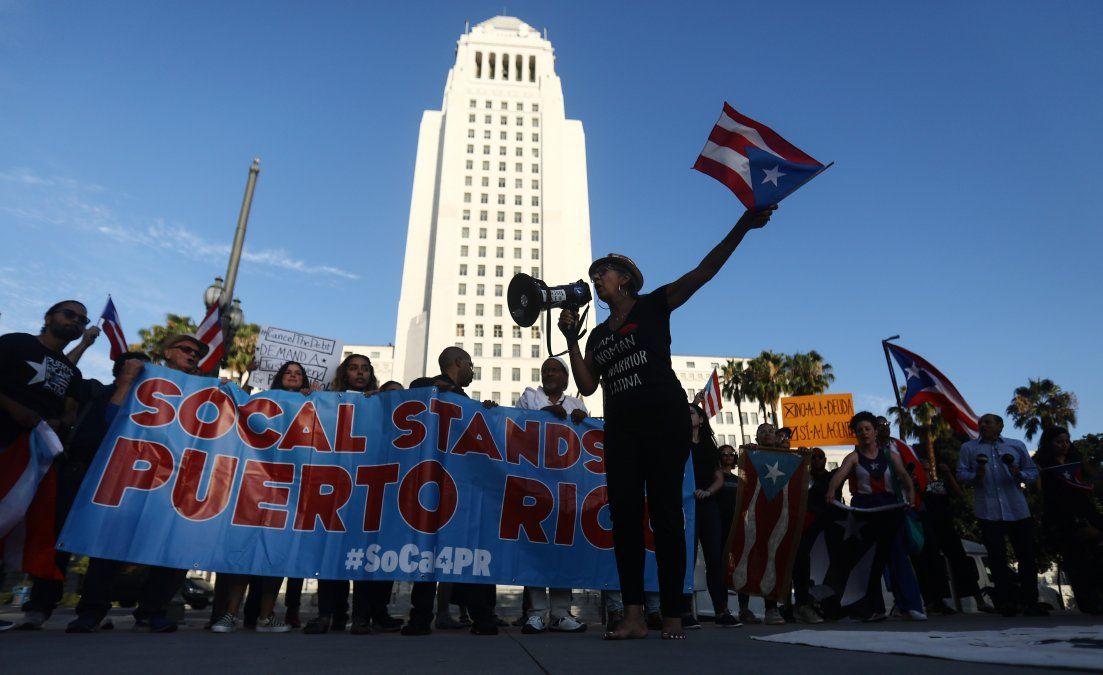 Más de 5.000 personas se lanzaron a las calles a pedir la renuncia de Ricky Rossello