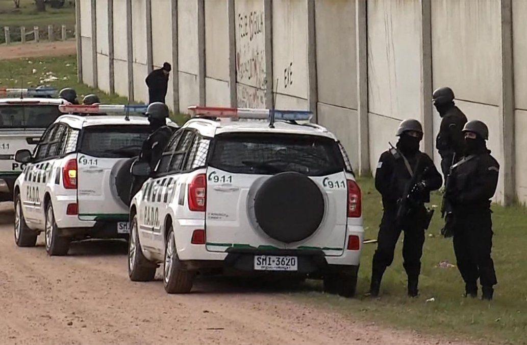 Importante operativo en el 40 Semanas en busca de atacantes del policía baleado