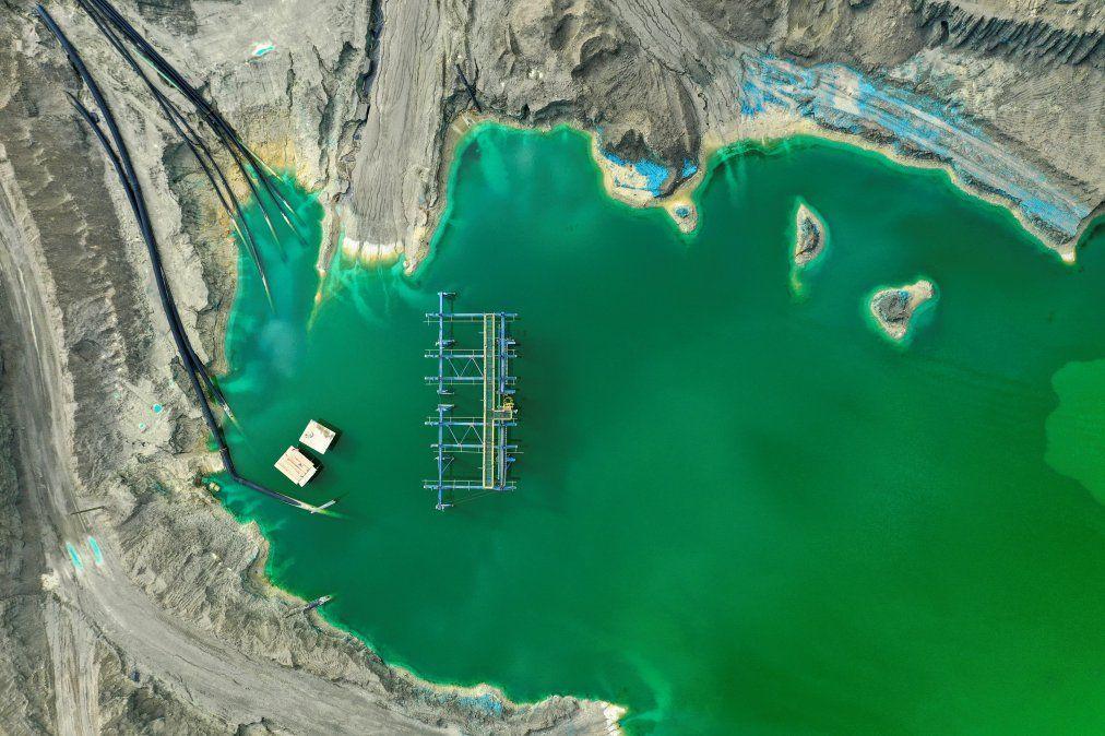 La vista aérea de una cantera usada para almacenenar subproductos de operaciones mineras