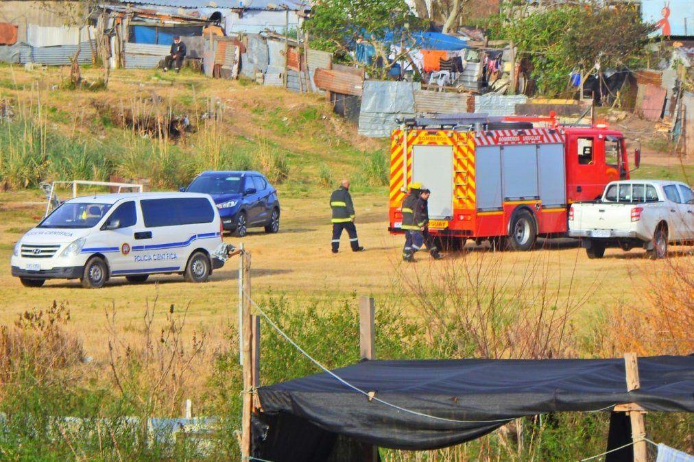 Policía investiga hallazgo de cuerpo calcinado en un auto