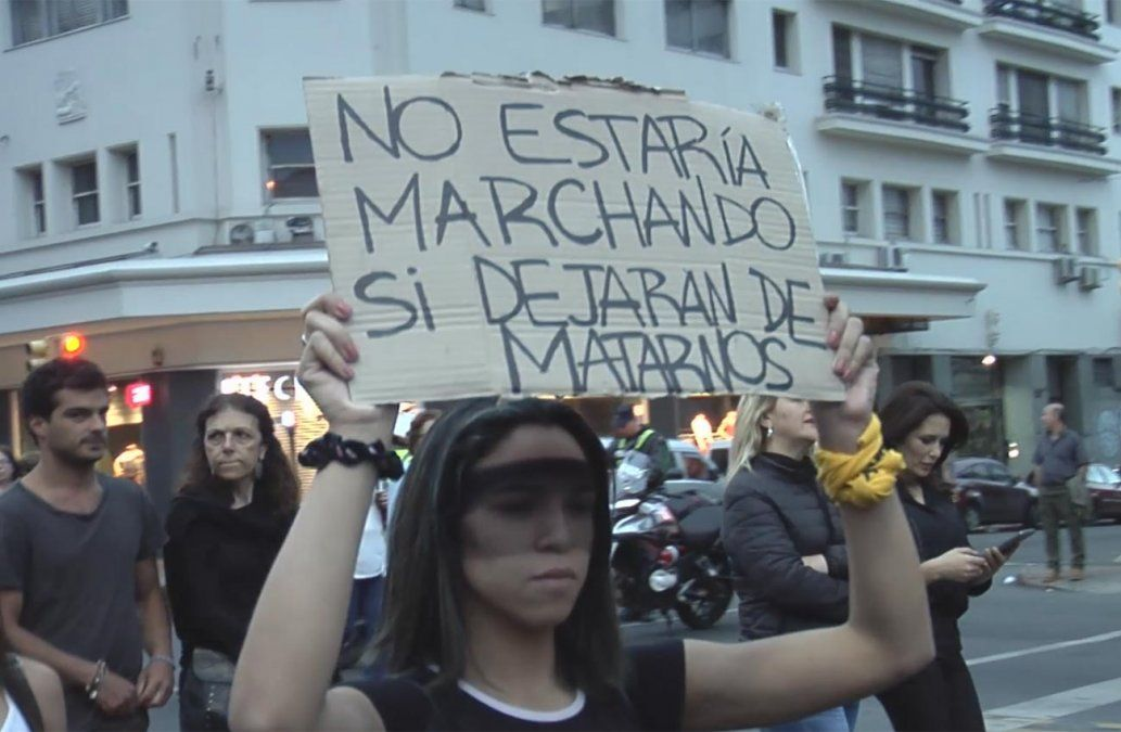 Alerta feminista por asesinato de la niña Anna Clara desde la hora 19 en Plaza Cagancha
