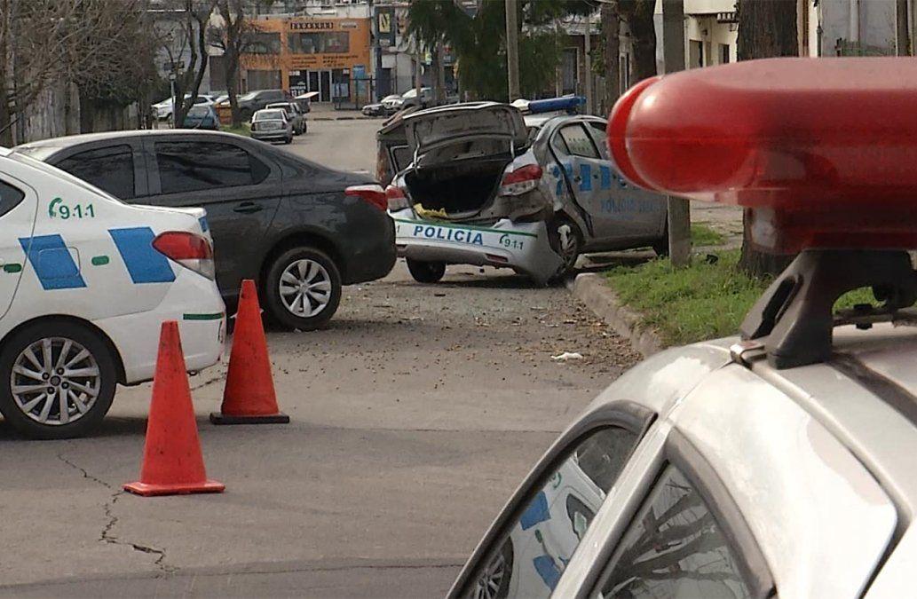 Choque entre una patrulla y un auto terminó con policías y un menor lesionados