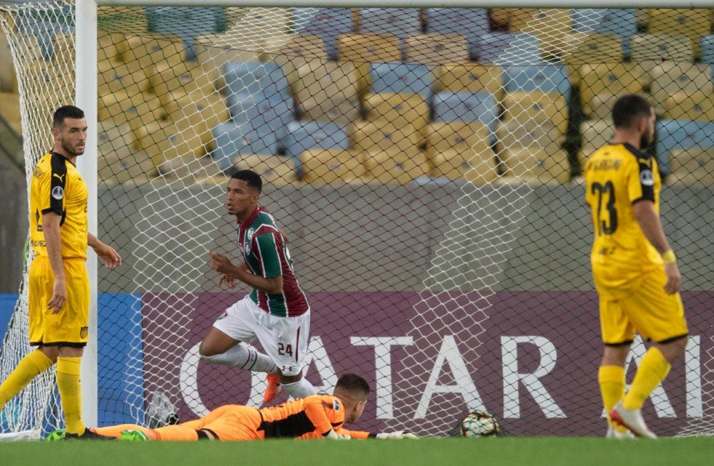 Peñarol se despidió de la Sudamericana tras caer 3-1 frente a Fluminense