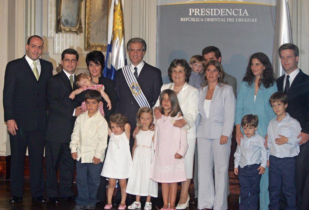 Foto oficial de Presidencia en 2005 con toda la familia