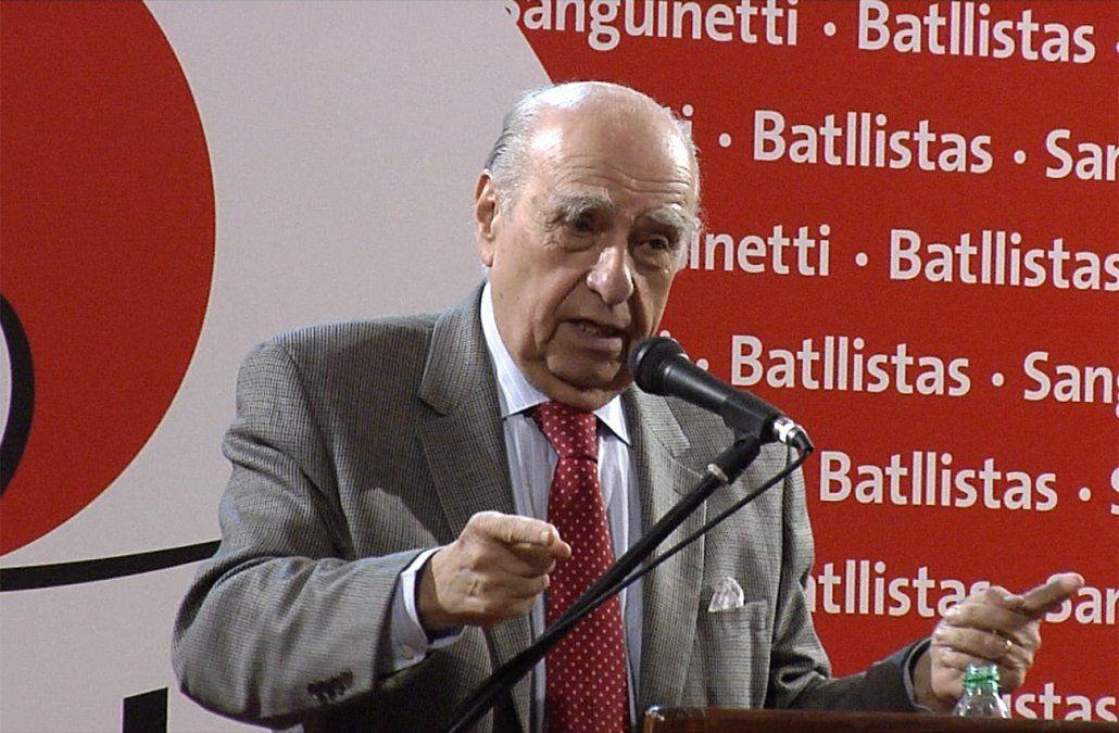 Sanguinetti apura una coalición con los blancos para evitar la idea de salto al vacío