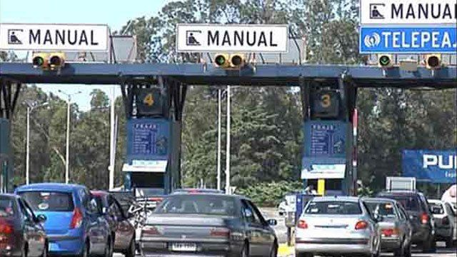 Aumentan peajes desde hoy: autos y camionetas pasan a pagar de $105 a $110